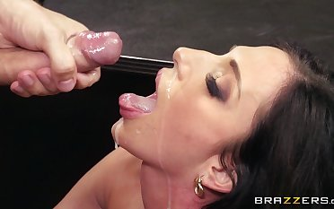 Tryst lady Jaclyn Taylor eats cum from her boss after fucking