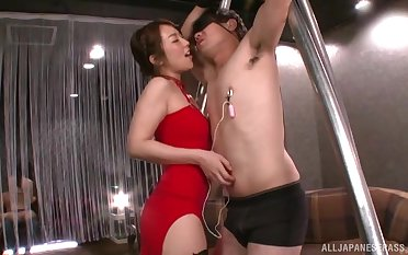 Dominant Japanese woman strips to take cock in dramatize expunge ass