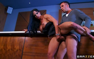 Quibbling fit together Jewels Jade brutally fucked by one unnerve hard dicks
