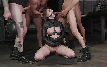 Submissive enslavement slut Gwen Vicious deserves really hardcore pine