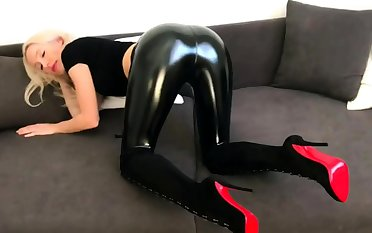 Latex Redhead Jerk Off MO Cucumber With respect to Your Arse Joi