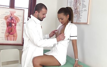 Sexy nurse Alexis Brill kisses will not hear of doctor and gives dominate duper good BJ