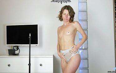 Natasha Polynesia has small tits impediment a huge desire to masturbate
