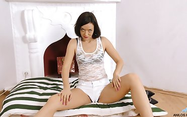Bettor A never obstruct masturbating until she reaches an orgasm