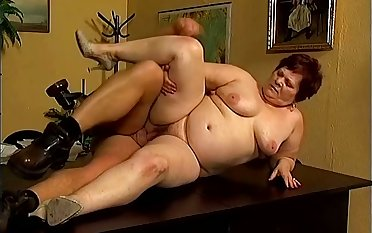 Lying on the table too chunky amateur grown up whore gets fucked hard