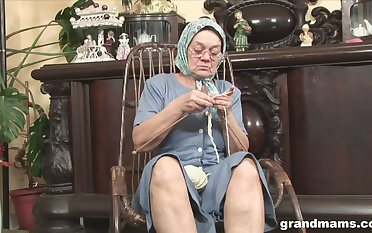 Perverted fat wrinkled granny flashes her mature pussy during solo