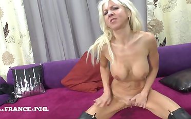 Sling Couch Be incumbent on A Hottie Big Boobed