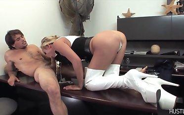 Mia Lelani in Porno Pirates of be passed on Pacific - Botch