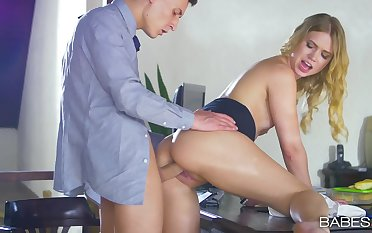 Sexy secretary loves fee payment her time fucking there the boss