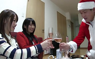 Very lucky guy fucks both Chika Arimura and Saki Hatsumi. HD