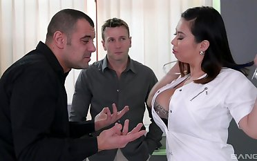 MILF with chubby Asian curves, strong threesome on cam