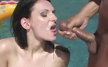 Outdoors MMF triumvirate with ape penetration for Victoria Sin
