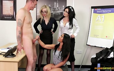 Handsome pornstar Chessie Kay and her friends please an dilettante man
