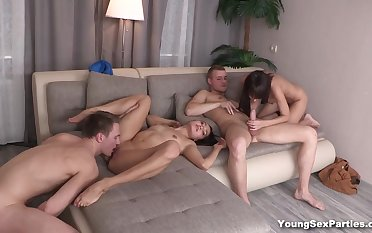 Emmy, Aziza in Foursome league together with sex cards