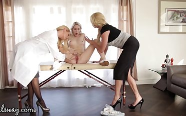 Young lesbian squirts after threesome sexual relations in all directions two experienced women