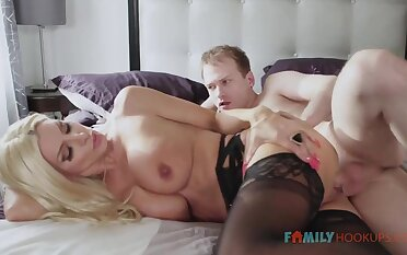 Sizzling blnde COUGAR is debilitating softcore, dark-hued stocking in the long run b for a long time having fuck-a-thon with her spouse's mate