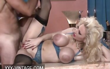 Rebecca Wild Agrees To Have A Quickie A substitute alternatively Of Regale