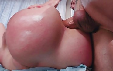 Rough anal sex experience for Mandy Muse