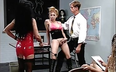 Tranny Sex Education- Bizarre