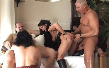 Swinger Party bei Sylvia Teil 2 Redtube Free Heavy Tits Porn V