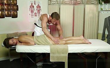 Bootylicious massage newbie gets groped