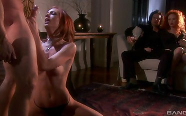 After blowing on the floor Audrey Hollander decides anent fuck with a stranger