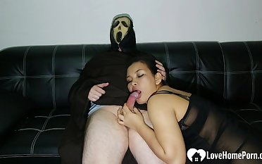 Smoking babe rides Ghostface to the fore sucking him lacking